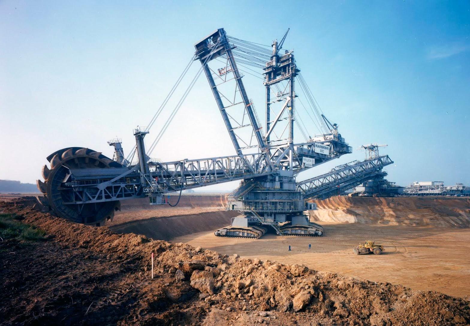 plus-gros-engins-de-chantier-au-monde-bagger-293