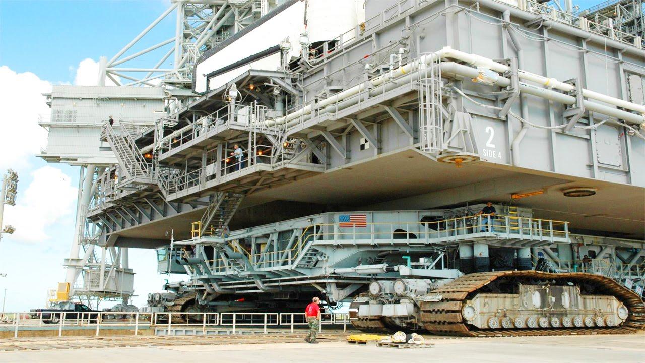 plus-gros-engins-de-chantier-au-monde-nasa-crawler-transporter