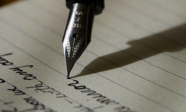 Ce que vous devez savoir en 2020 sur le métier de rédacteur: formation, salaires, missions