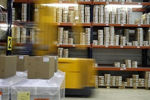 Exemple d'un entrepôt logistique dans une entreprise