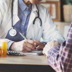 Médecine du travail : prérogatives renforcées pour lutter contre la Covid-19 et report des vi-sites médicales